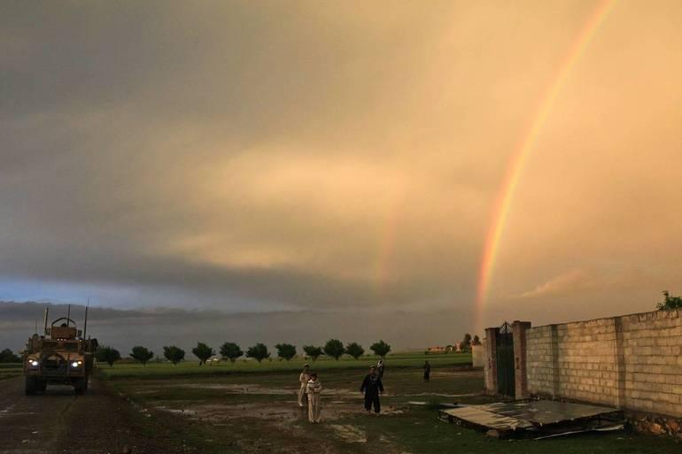 rainbow-60800_1920.jpg