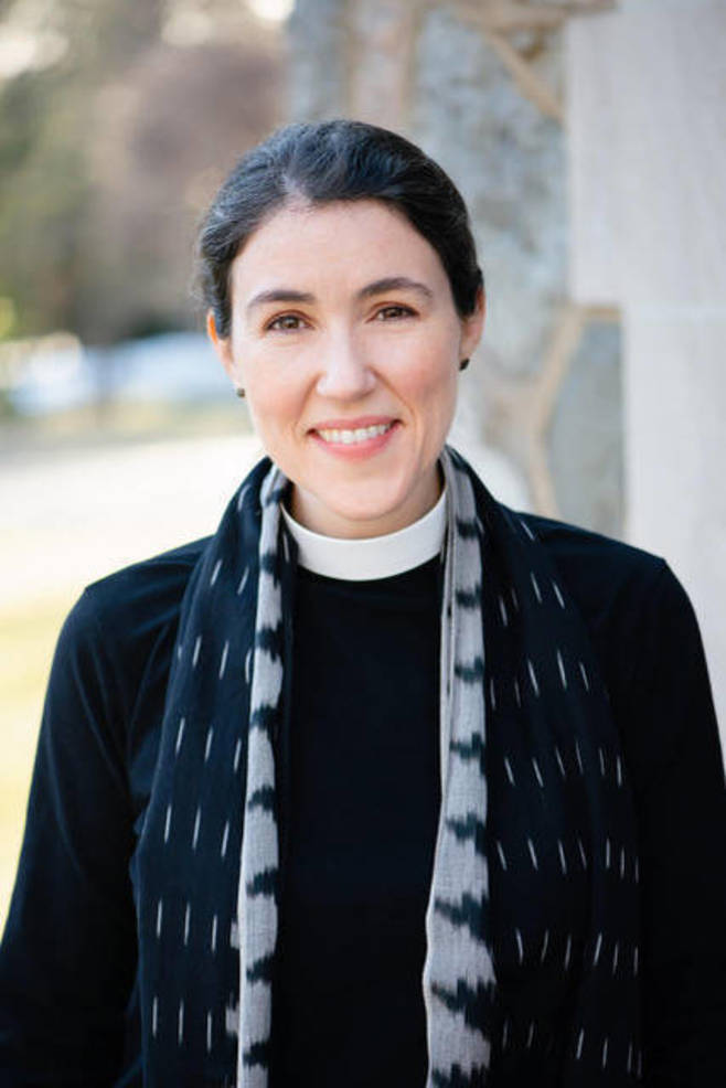 Bowie Snodgrass Becomes First Female Rector at Vestry of Christ Church