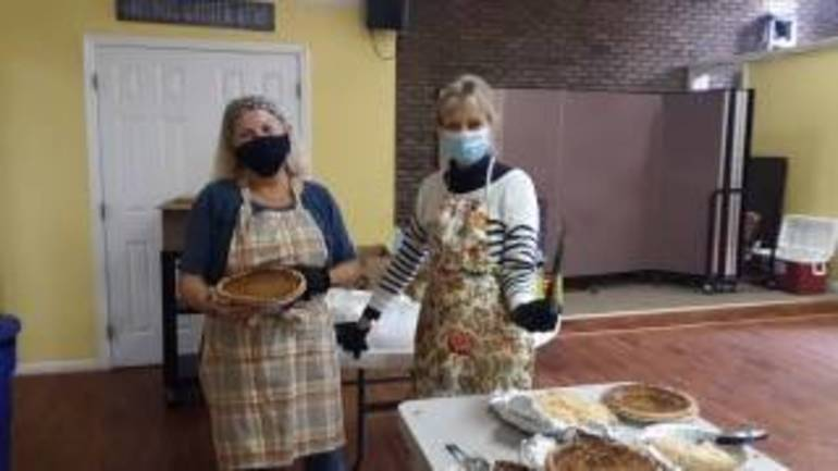 Sparta Community and Area Volunteers Bring Thanksgiving Meals to Neighbors in Need