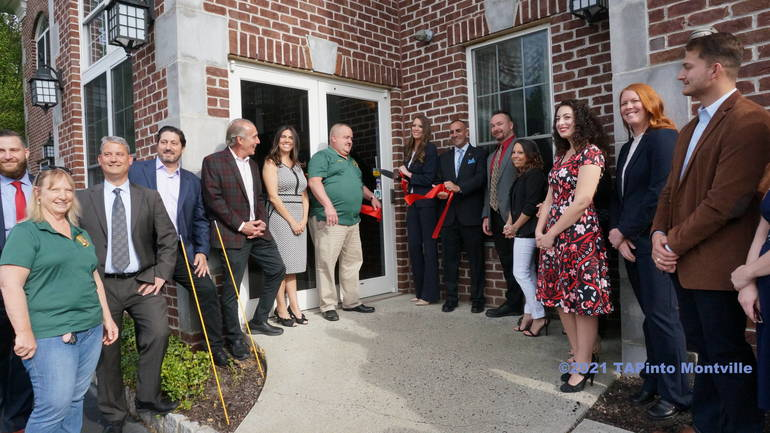 Realty Executives First Class' ribbon cutting ©2021 TAPinto Montville.JPG