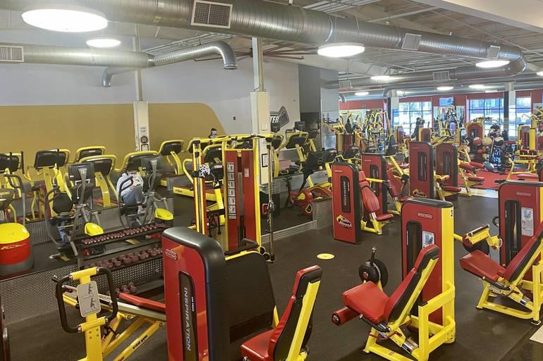 Retro Fitness Of Kenvil Celebrates New Year With 15 Cent Membership Sign Ups Roxbury Nj News Tapinto