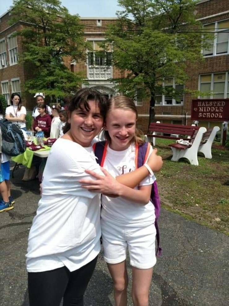 Newton Strong! Hundreds Participate in White Out Day for Lexi