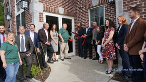 Realty Executives First Class Holds Ribbon Cutting