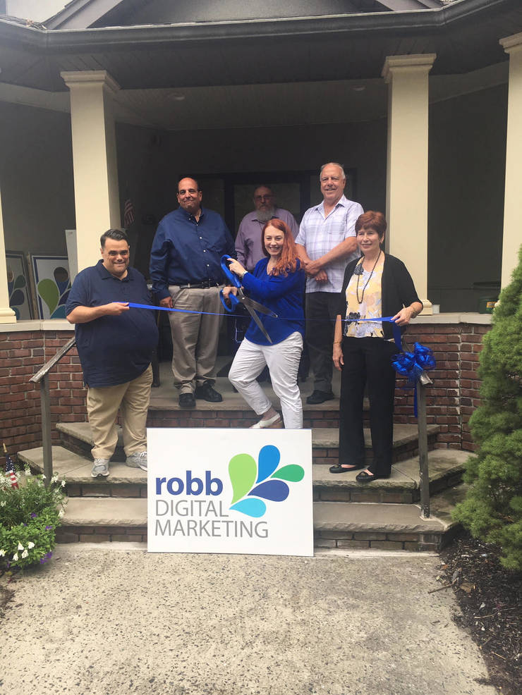 Robb Digital Marketing Holds Ribbon Cutting to Commemorate Official Opening of Middlesex Office