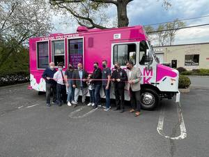 Scream Truck Cuts the Ribbon for its Springfield Grand Opening