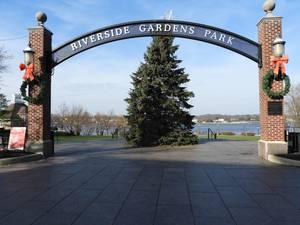 Carousel image e118337b2a6e9779be2d riverside gardens christmas