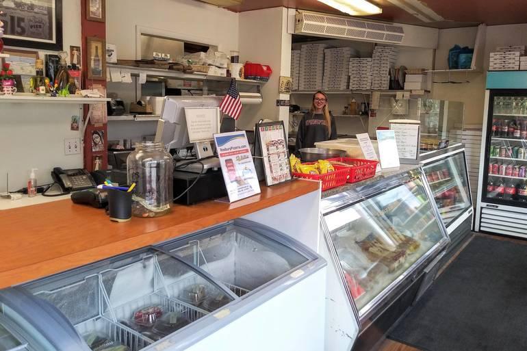 Roxbury Pizzeria 4.jpg