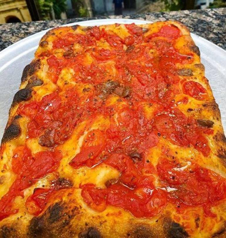 roccos pizza.jpg