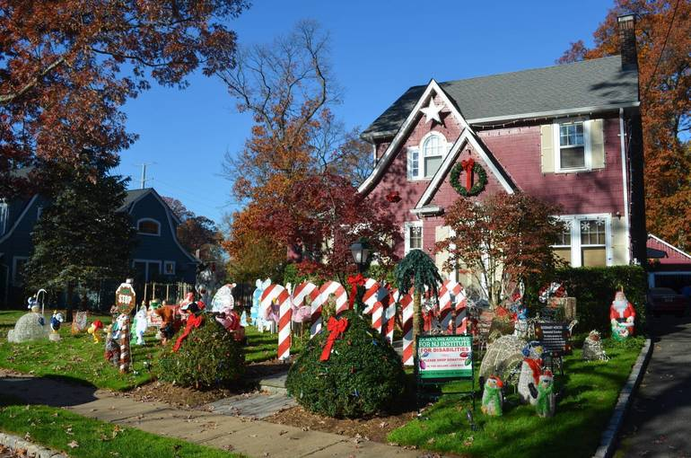 Fanwood's Famous Christmas House.