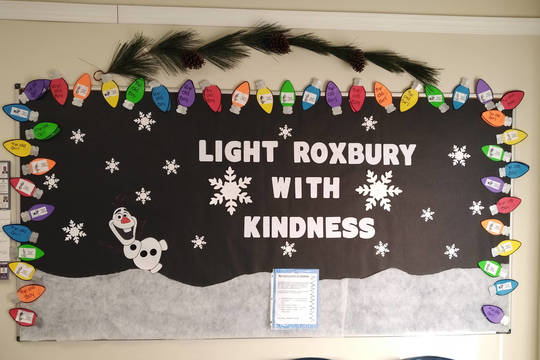 Top story 03f6e0a0f17620ed71c0 roxbury lights of kindness board