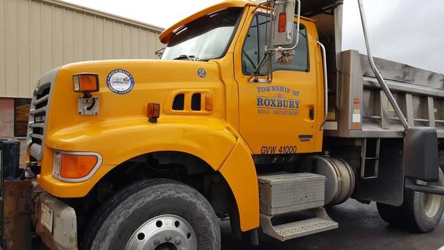Top story f6524a6f07e5ca189cfa roxbury dpw truck