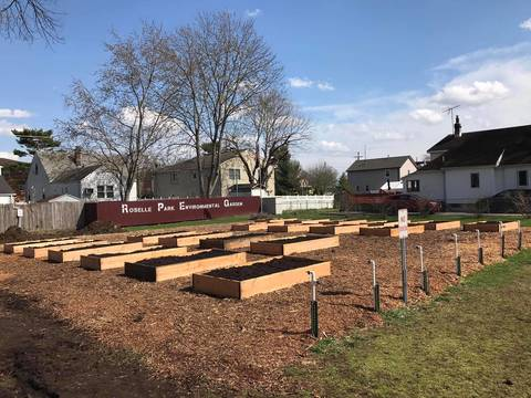 Top story edca830b90571edef260 rp community garden beds