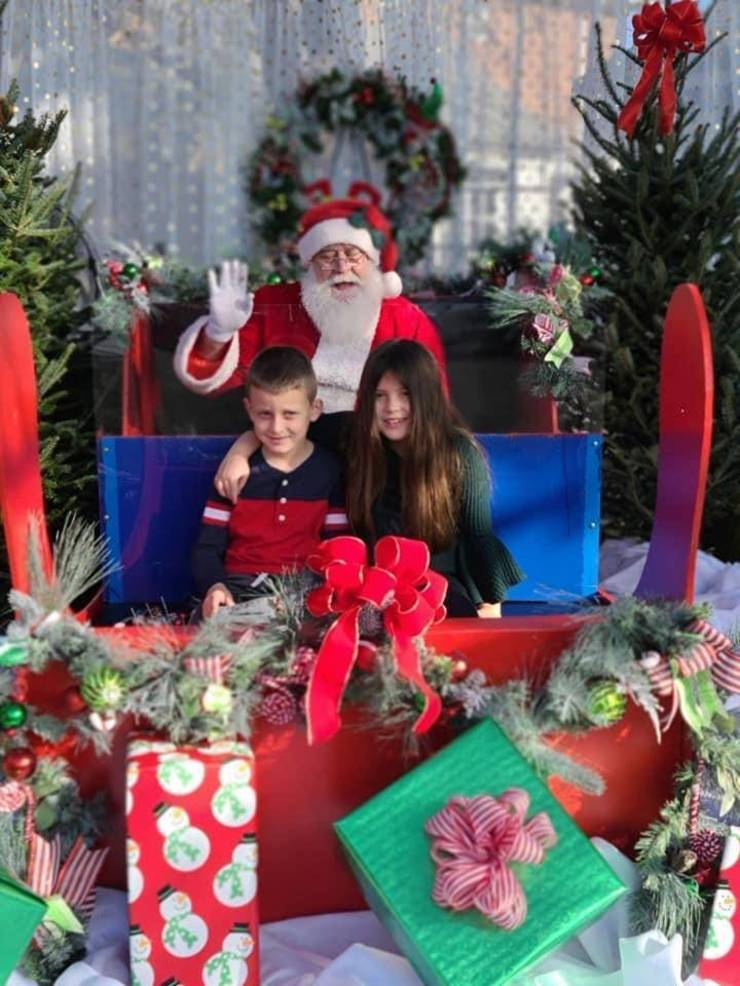 Santa Comes to Especially Yours Florist in Kenilworth