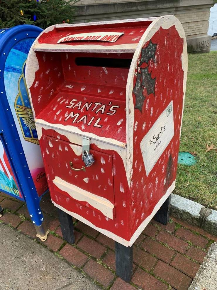 Belleville Sets Up Special Mailboxes for Kids to Send Letters to Santa