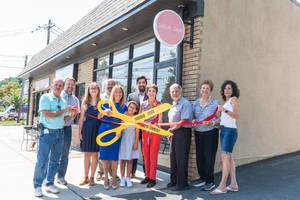 Salon East Opens in Bloomfield