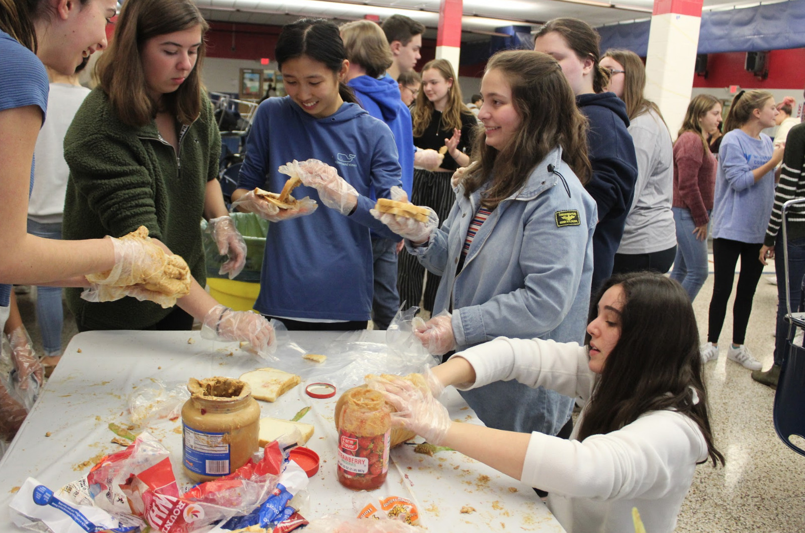 Interact Club Makes Sandwiches for the Market Street Mission
