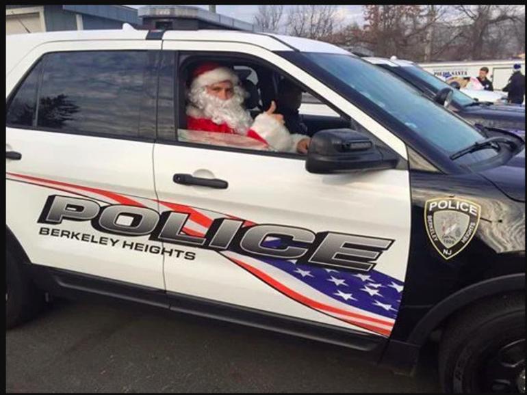 Police Santa Visits Berkeley Heights December 12