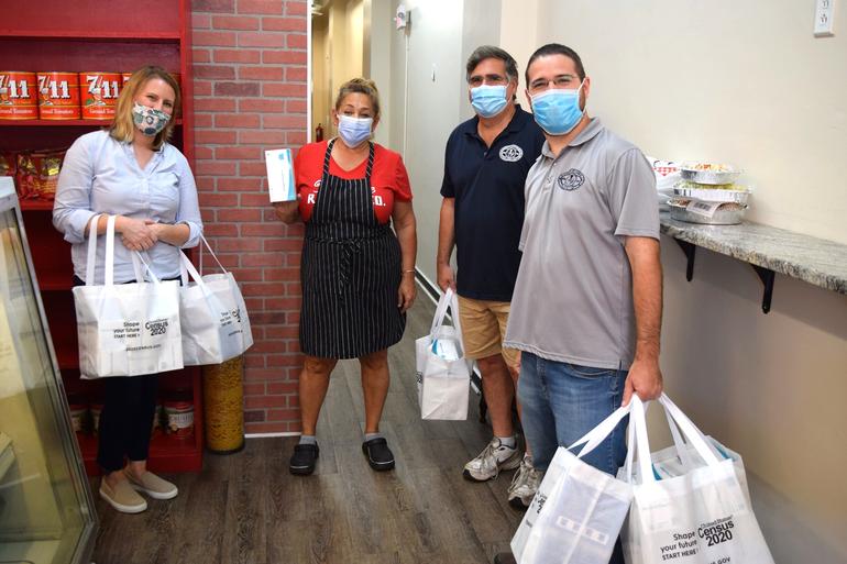 Scotch Plains officials deliver masks to local businesses (4).png