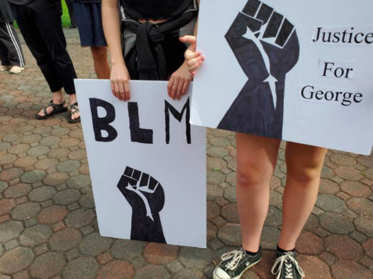 Black Lives Matter Signs.png