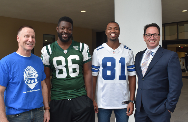 Former NFL Players Visited Children at Coral Springs Hospital