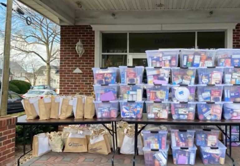 Union Senior Center Helps Donate Thanksgiving Meals