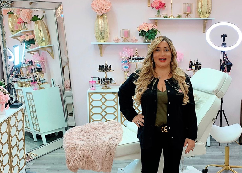 "Coral Springs Beauty Influencer: ""I Just Want To Help People Feel Happy"""
