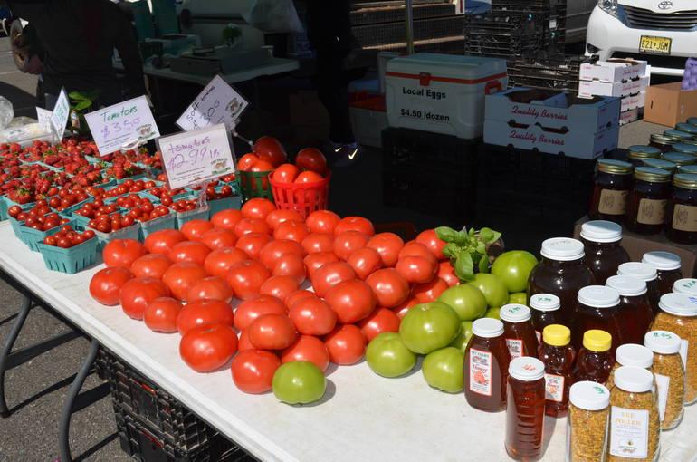 Scotch Plains Farmers Market sells fresh produce every summer.