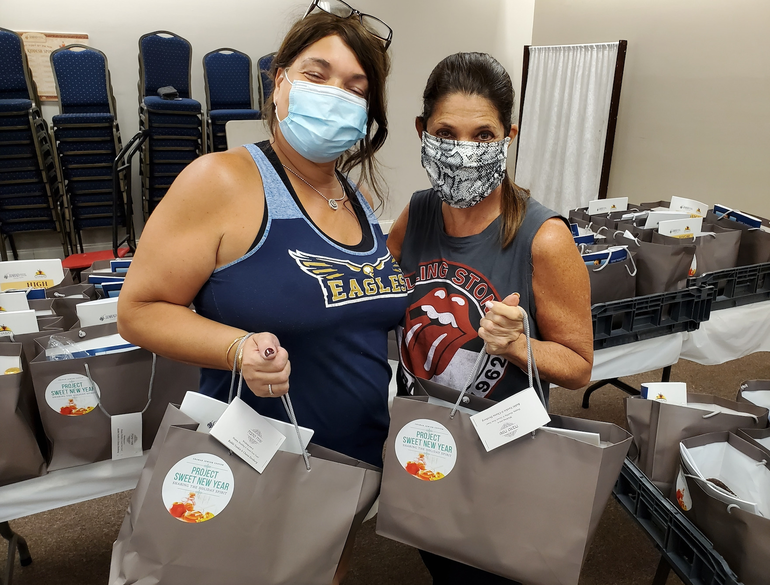 Dozens Gather To Make 1,000 Rosh Hashanah Bags For Coral Springs And Other Residents