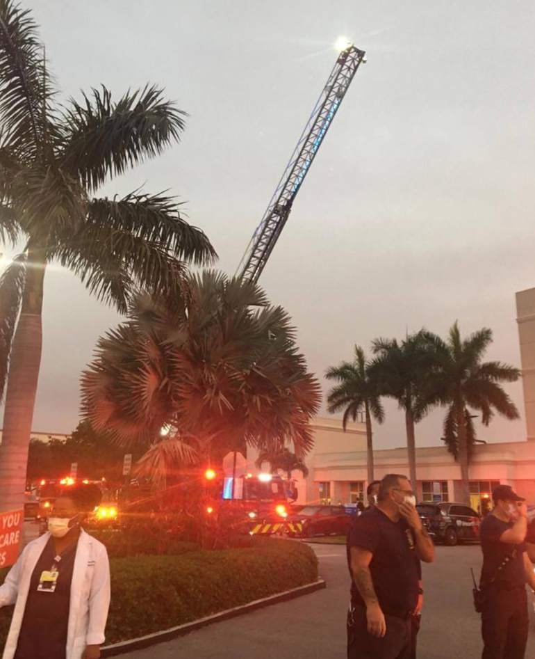 Coral Springs Takes Part in Heroes' Welcome For Hospital Workers