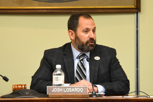 Carousel_image_5aa9de9cb499c0c8949d_scotch_plains_mayor_josh_losardo_4-20-16