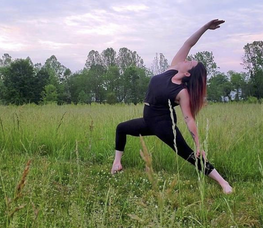 Ryan Leigh Bogiages: Teaching Free Yoga Classes