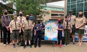 """Woodland Park Scouts Take Part in 'Bags of Hope"""" to Help Children Fighting Cancer"""