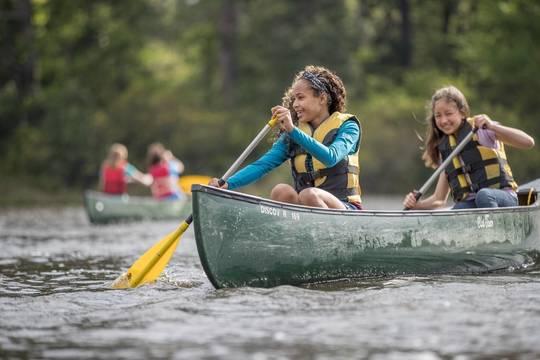Top story ec2b43c7b6d0ed25ea60 scouts bsa girls canoeing