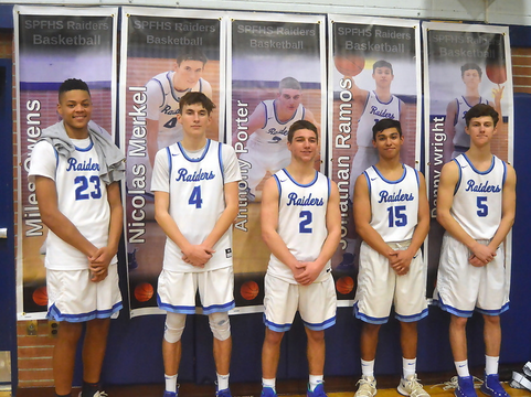 Top story 18e32e053d4ac87c9491 seniors in front of posters   owens  merkel  ramos  porter  wright