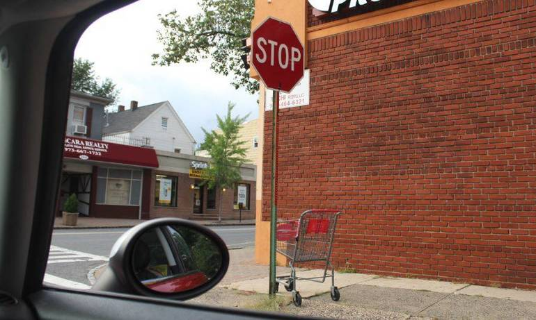 Shopping Cart In The Wild Nutley Aug 20 2018.JPG