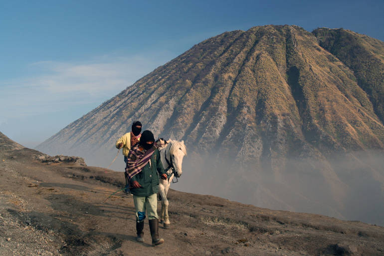 sherpa guide.jpg