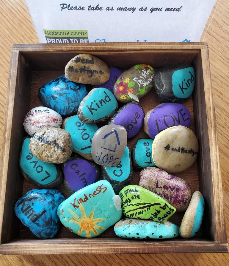 Best crop b4d13cf02f4339094420 shore house kindness rocks