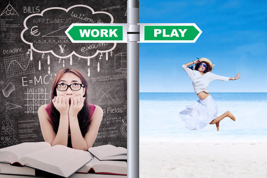 Top story 25236c106775db203720 shutterstock 138201059 student deciding work or play during summer