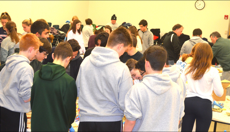SJS - Saint Joseph students help deliver sandwiches for the homeless (13).png