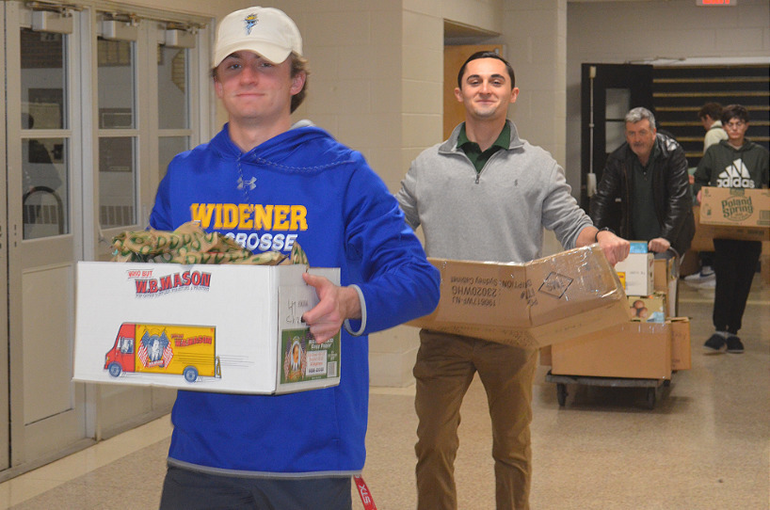 SJS - Saint Joseph students help deliver sandwiches for the homeless (2).png