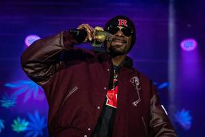 Snoop Dogg Got Paid to Rock Rutgers on Saturday Night