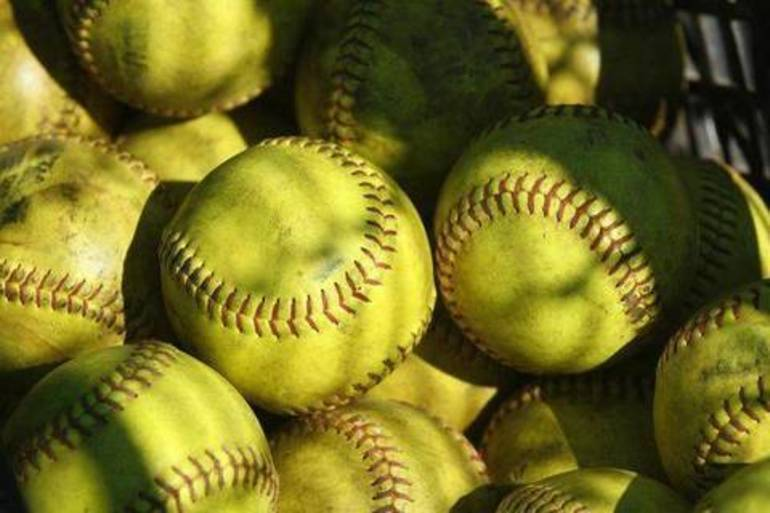 Softball: Livingston Blanks Cedar Grove, 12-0