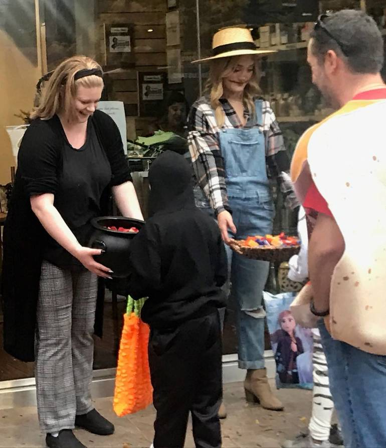 sompixhalloween2019merchants.jpg