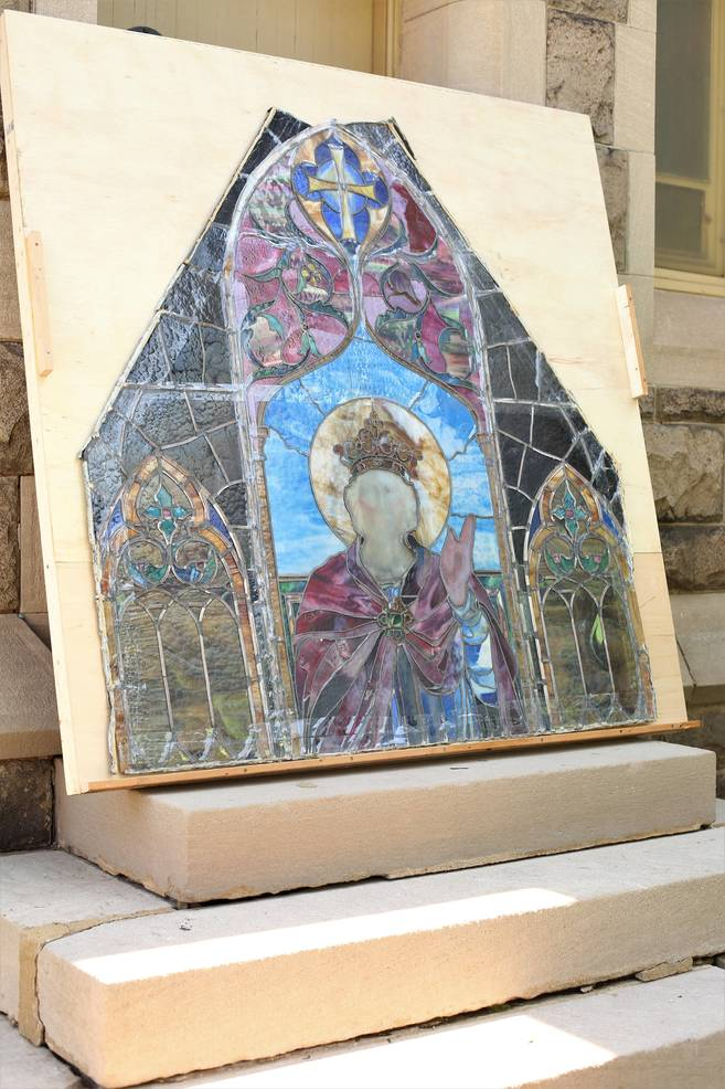 sompixstainedglassrepair2.jpg