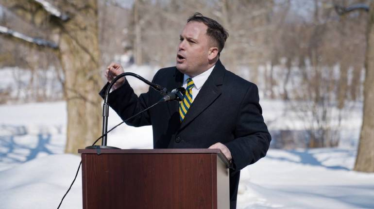 Hazlet's Solomeno Kicks off Campaign at Middletown Park, Pledges to End Annual Property Tax Assessments.