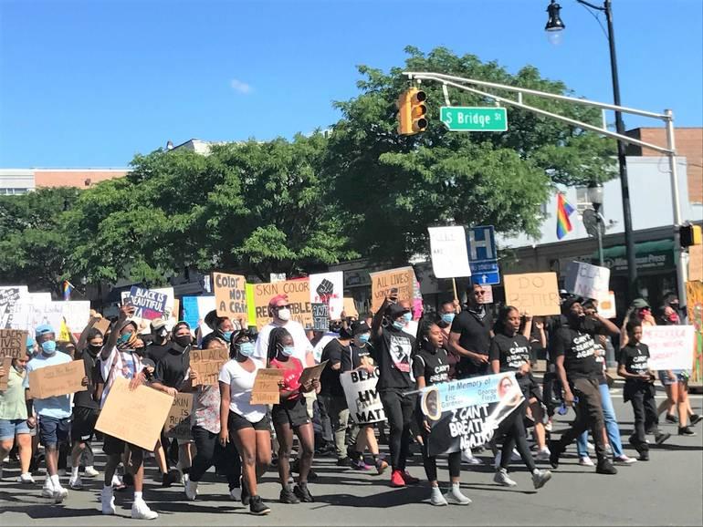 sompixprotest613bridgestreet.jpg