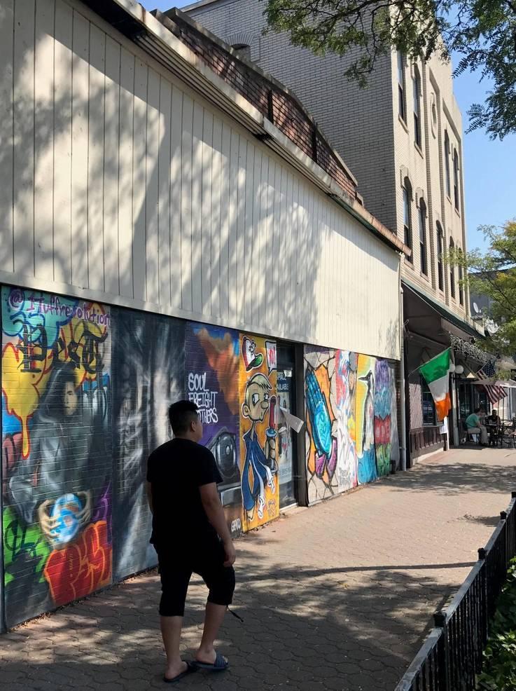 sompixmannionsasanmarketgraffiti.jpg