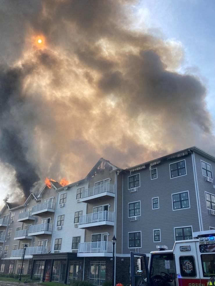 sompixfireparcviewsmoke&flames2money.jpg