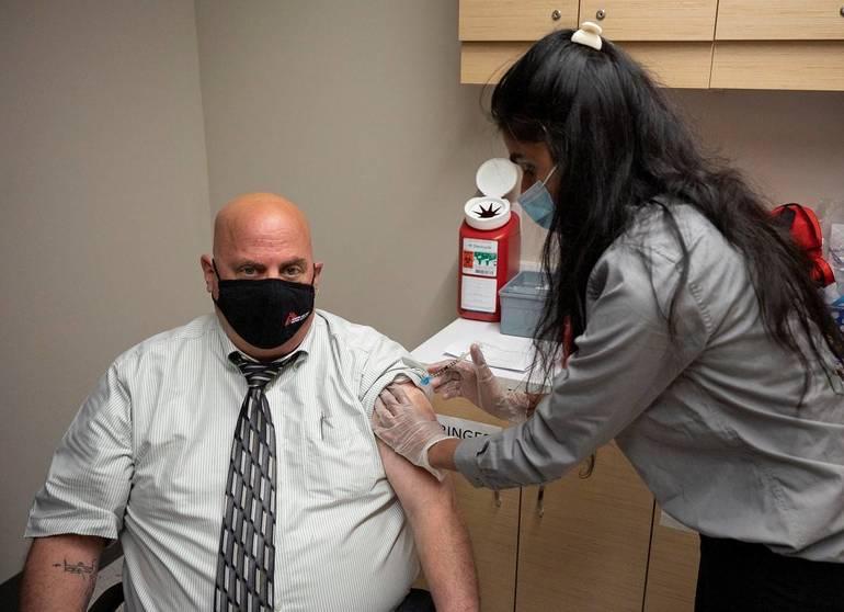 400 Teachers Vaccinated in Somerville Through RWJUH/Somerset Program