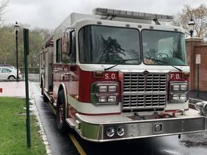 Carousel image 986117d1292b5b9ee676 south orange fire truck 2